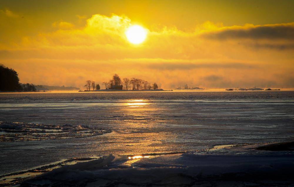 Helsingistä löytyy monipuolista luontoa ja etenkin kauniita rantamaisemia. Kuva: Esa Nikunen